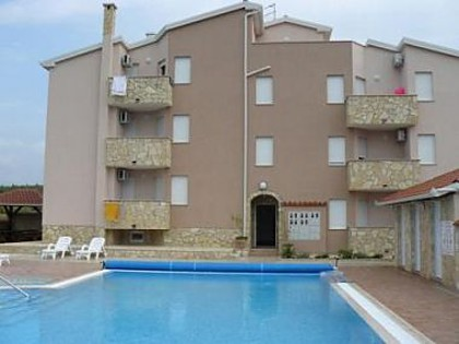 Appartements STD-A(2), STD-B(2), B6-A(4+2), B6-B(4+2), C7-A(6+1), C7-B(6+1), C7-C(6+1) Umag - Istrie