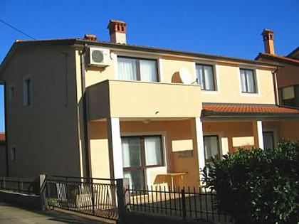 Appartements STD(2+1), A3(3), A4(2+2), B6(4+2) Umag - Istrie