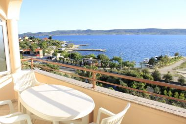 Appartements Ante - 30 m from sea: A1(2+1), A2(2), A3(2) Sveti Petar - Riviera de Biograd