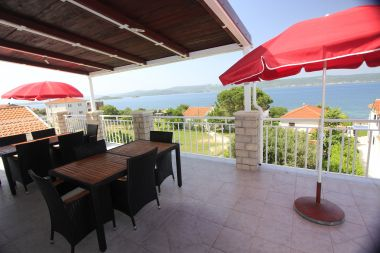 Appartements Mary - 30m from the sea SA1(2), SA2(2), SA3(2+2), A4(2+2), A5(2+2), A6(3+2) Sveti Petar - Riviera de Biograd