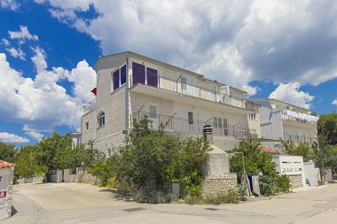 Appartements Vince - 350 m from pebble beach & free parking: A1 žuti(4), A2 plavi(4+1), A3(4) Primosten - Riviera de Sibenik