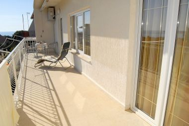 Appartements Ante - with large terrace : A1(6) Primosten - Riviera de Sibenik