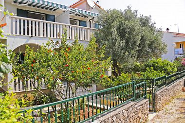 Appartements Marin - quiet and relaxing location: A1(2+2), A2(2+2), A3(4+2) Baie Stivasnica (Razanj) - Riviera de Sibenik  - Croatie