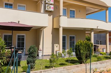 Appartements Josko - with parking: A1(2+2) JOZO, A2(2+2) SNJEŽANA, A3(2+2) JONAS, A4(2+2) DENIS Vodice - Riviera de Sibenik