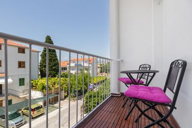 Appartements Neven - comfortable & great location: A1(4+2) Split - Riviera de Split