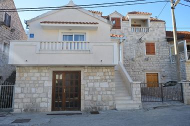 Appartements Mira 1 - Family Apartment: A Duje (2+1) Marina - Riviera de Trogir