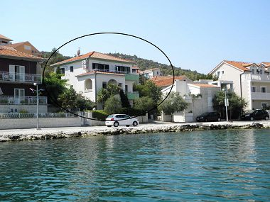 Appartements Ivanka - 10 m from sea : A1 (2+2), A2 (2+2), A3 (4+2) Marina - Riviera de Trogir