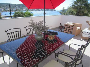 Appartements Deni - 30 m from sea: A2(4+1), A3(4+2) Vinisce - Riviera de Trogir