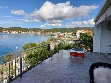 Appartements Ivica - sea view : A1(6) Vinisce - Riviera de Trogir